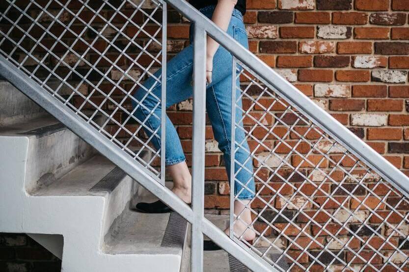 階段が疲れない4つの法則