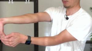 《橈側手根屈筋のストレッチ方法》手首の屈曲が楽に軽くなる。酷使する手首のケア