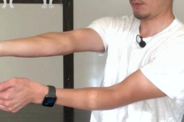 《長掌筋ストレッチ方法》指~肘まで手首の屈曲動作を軽くする