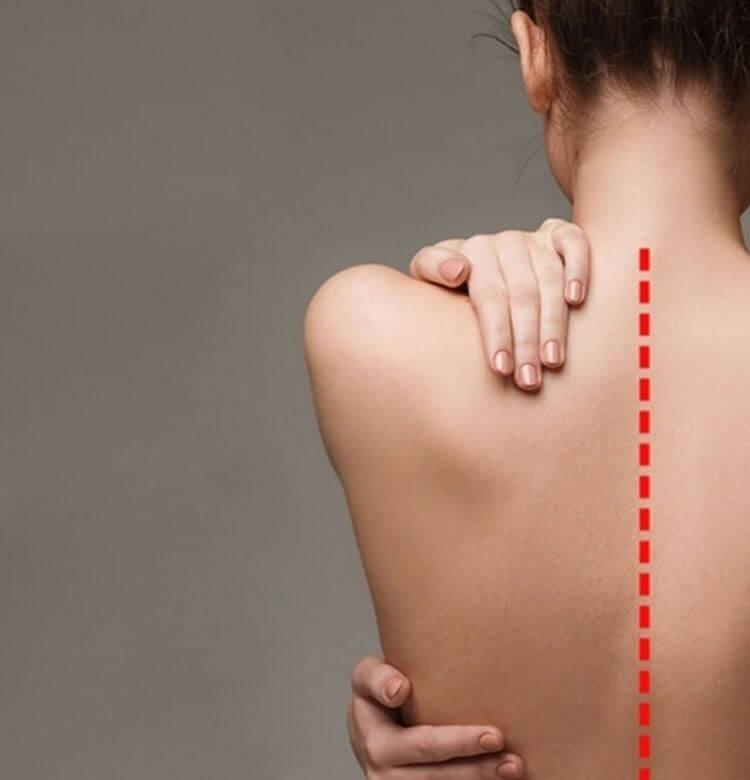 背骨の歪み改善