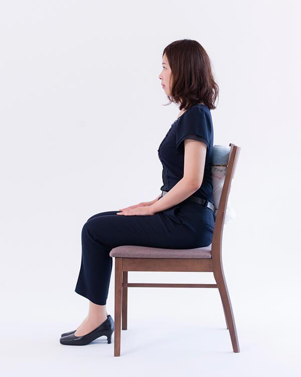正しい椅子の座り方