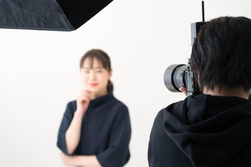 写真撮影時の顔(頭)の傾きバランスが整う
