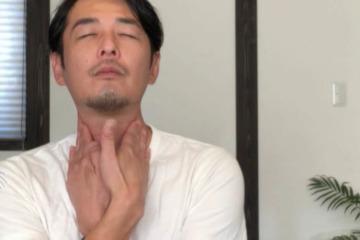 《胸鎖乳突筋ストレッチ方法》首の緊張をやわらげ,首筋から鎖骨をきれいにする