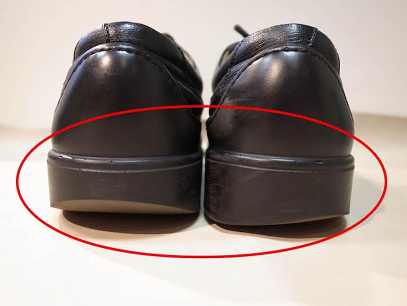 左右の靴底の擦り減り方が違うチェック